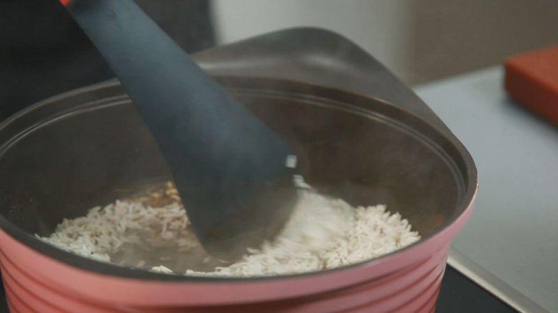 Золотые рецепты звезд: рис басмати по-индийски и жареный сибас от Леси Оробец - фото №5