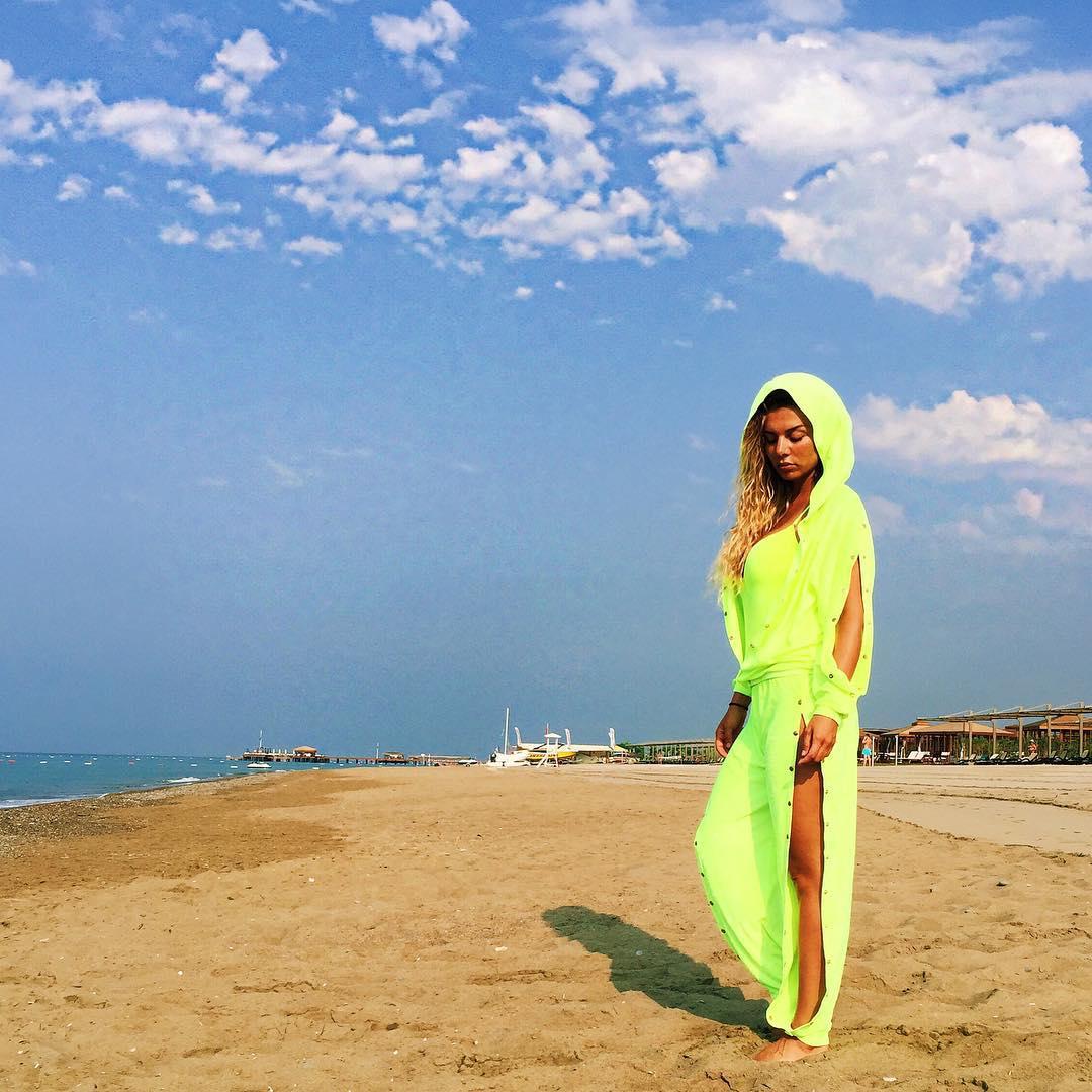 Социальная сеть нараспашку: как Анна Седокова удерживает внимание подписчиков - фото №2