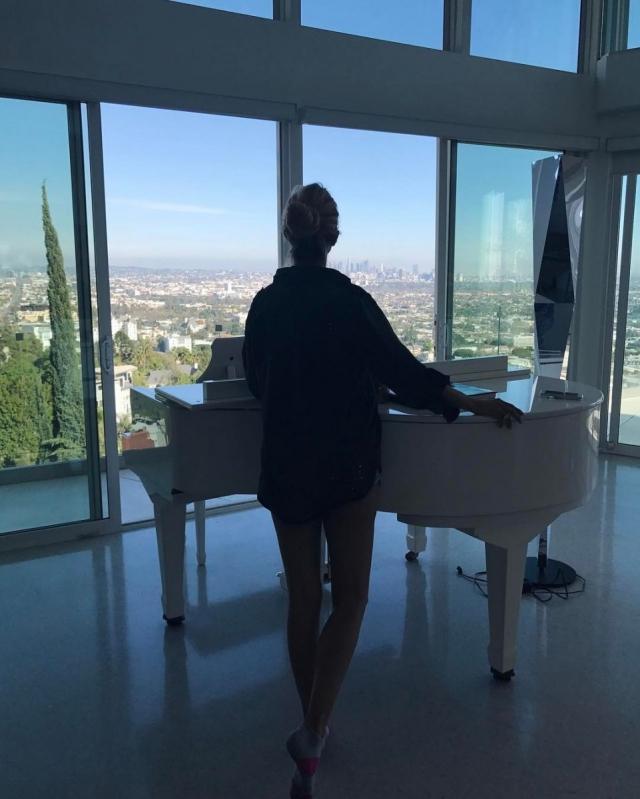 Виктория Боня похвасталась новыми роскошными апартаментами в Голливуде (ФОТО) - фото №1