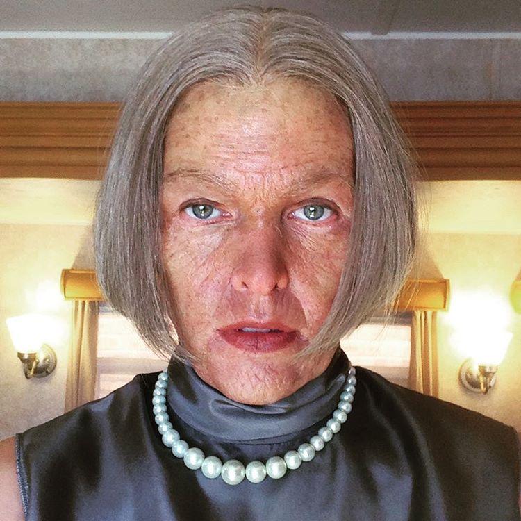 Миле Йовович 85 лет: актриса перевоплотилась в старушку для съемок фильма - фото №3