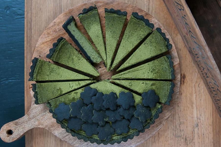 1 чашка чая матча вместо 10 чашек зеленого чая: зачем и как использовать чай матча в кулинарии - фото №5