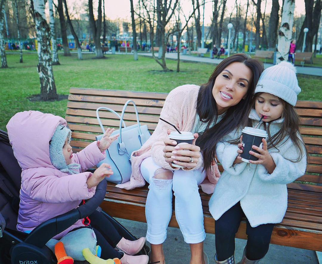 Самойлова с детьми