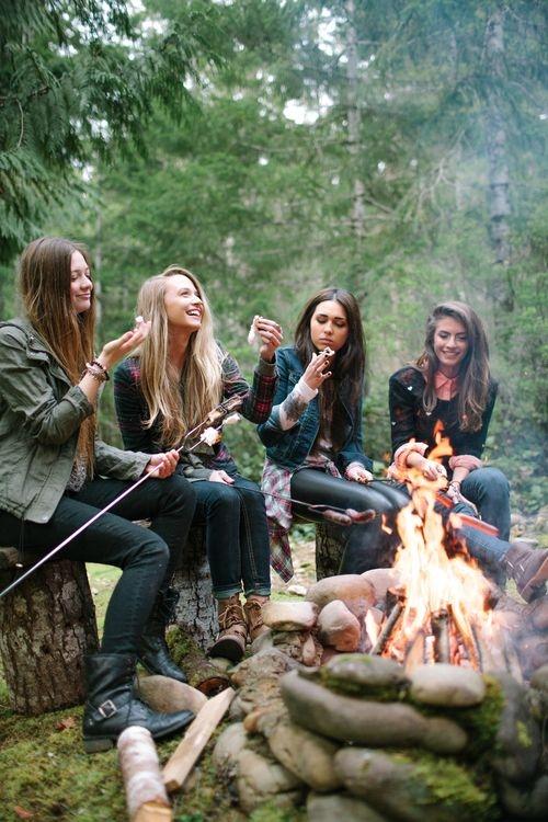 Чаще встречайтесь с друзьями - это веселее, чем смотреть в экран