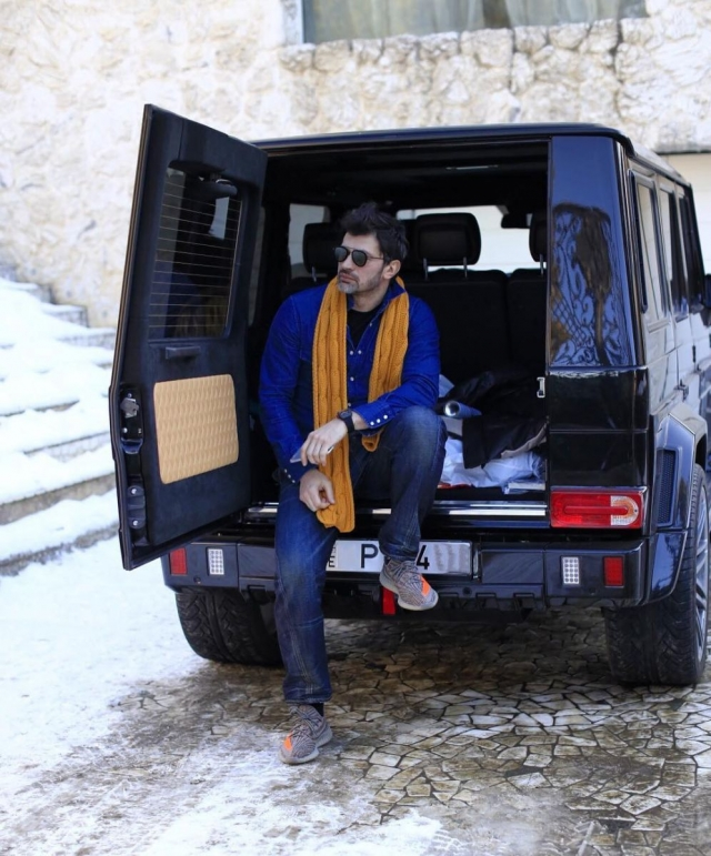 Икона стиля по-грузински: мэр Тбилиси Каха Каладзе стал одним из самых стильных политиков в мире