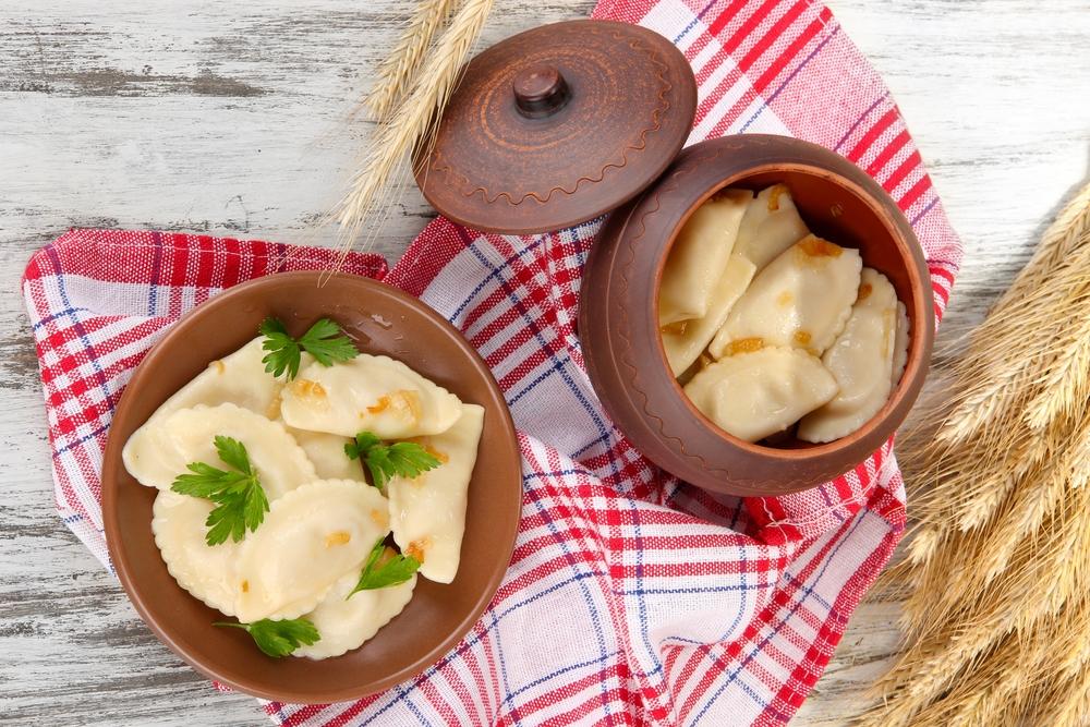 Блюдо, которое готовят на Рождественский пост: вареники с капустой - фото №3