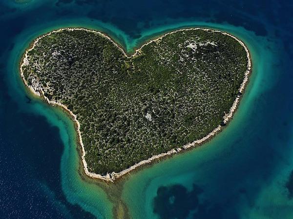 Романтикам на заметку: места на Земле в виде сердца - фото №5