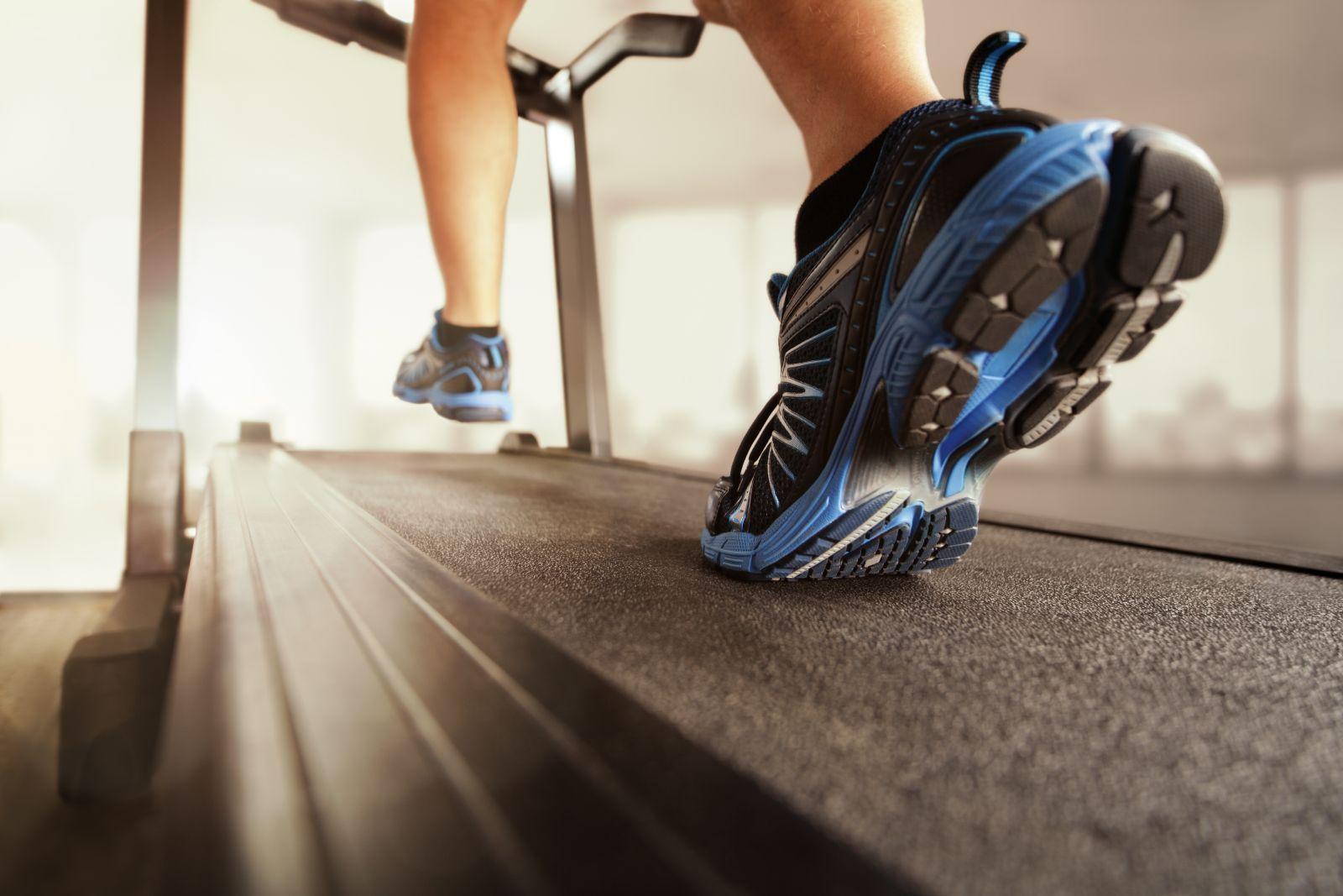 как бегать на беговой дорожке