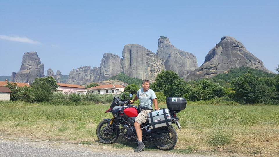 Новое тревел-шоу с Геннадием Попенко: как на мотоцикле проехаться по Албании, погулять на сербском фестивале и пообщаться с хорватами на украинском языке - фото №4