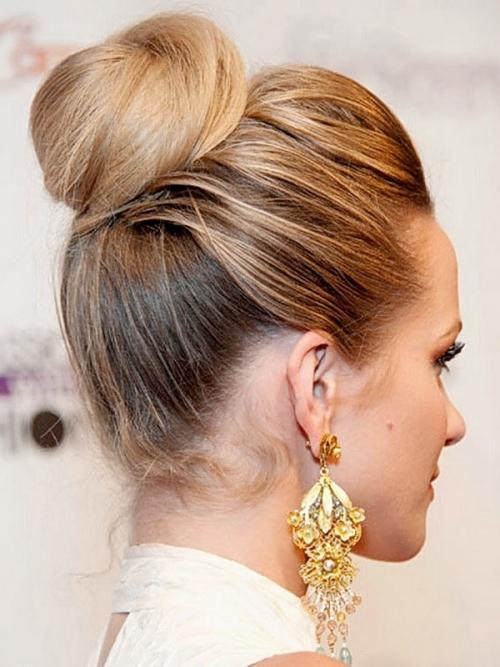 Какую прическу сделать на последний звонок: лучшие прически на длинные и средние волосы (ФОТО) - фото №44
