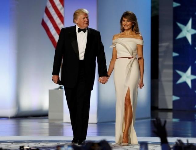 Каково одевать первую леди: стилист Мелании Трамп рассказал про особенности работы с экс-моделью - фото №3