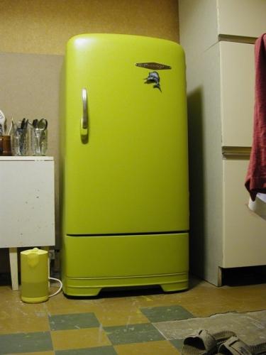 реставрация старого холодильника