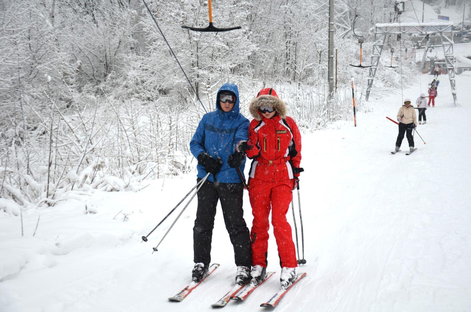 Секс зимой на лыжах видео