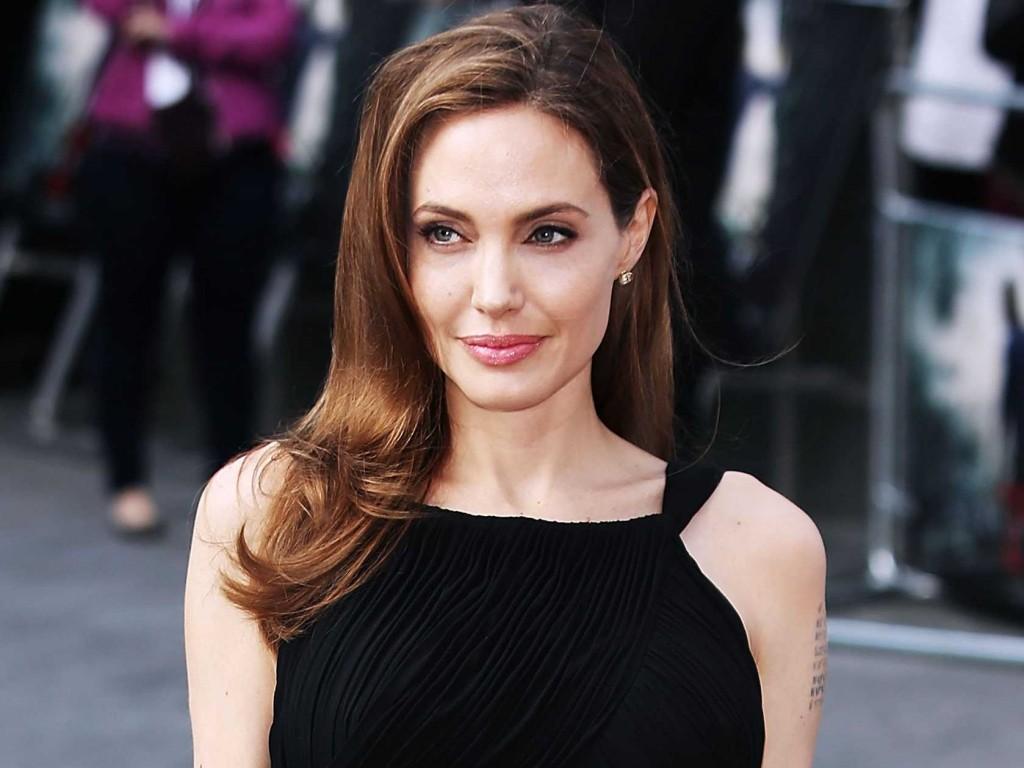 Джоли 2015