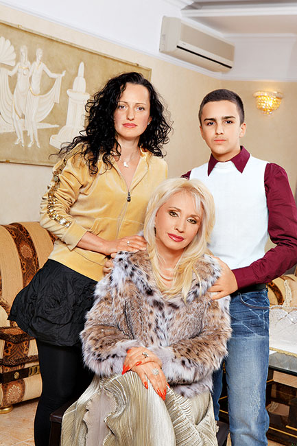 Аллегрова с дочкой и внуком