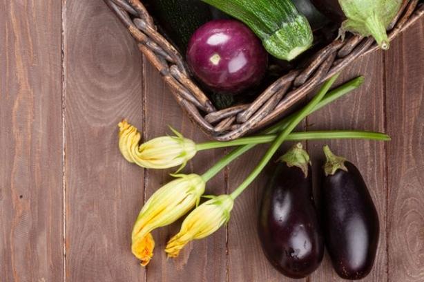 Икра из кабачков и баклажанов на зиму: рецепт простой, но очень вкусной консервации - фото №3
