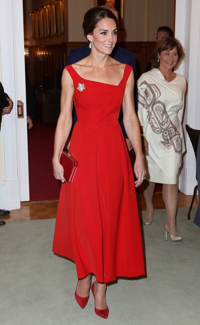 Кейт Миддлтон в красном платье Preen by Thornton Bregazzi Канада 2016
