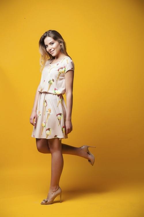 Платье от бренда Marterina с принтом в виде рожков мороженого