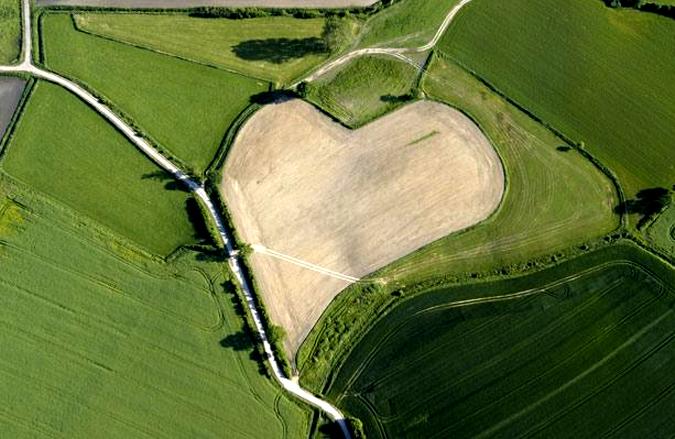 Романтикам на заметку: места на Земле в виде сердца - фото №11