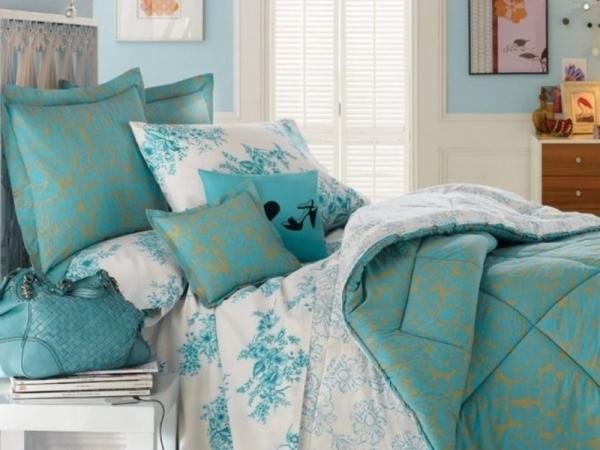 постель в спальню