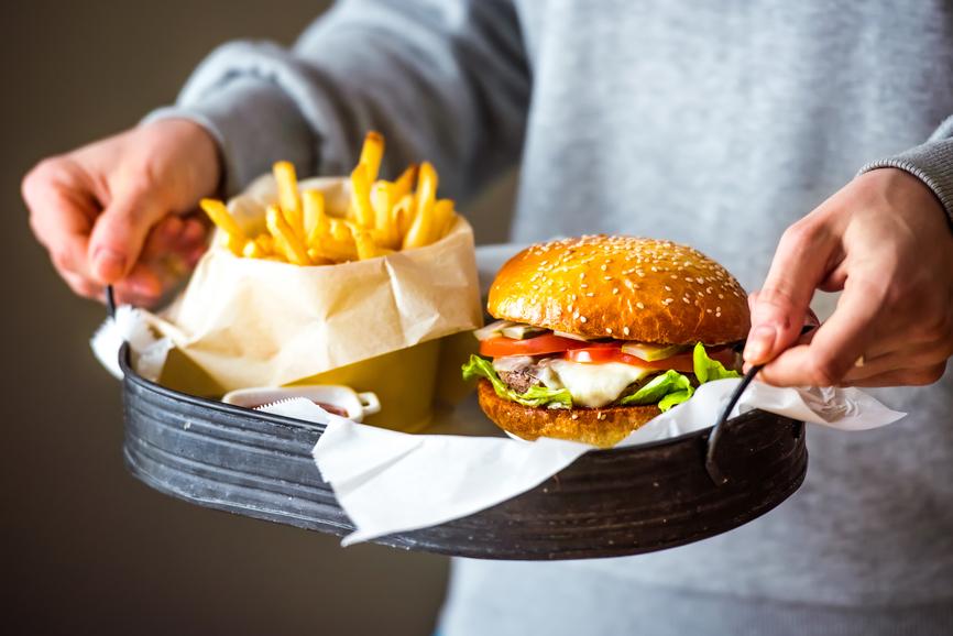 Как приготовить вкусный бургер: рецепт модного блюда - фото №1