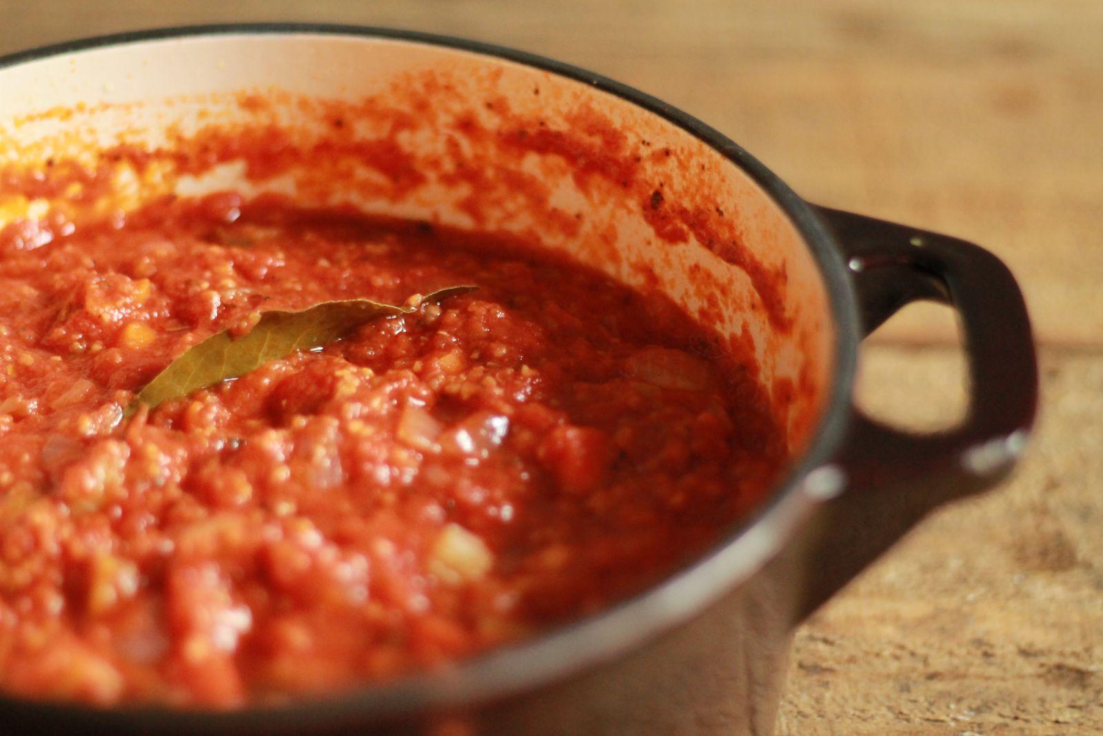 Как приготовить пасту с соусом болоньезе: вегетарианский рецепт - фото №1