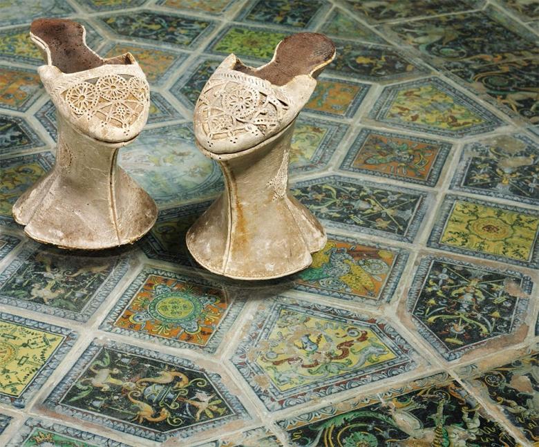 Неделя моды в Милане: обувь венецианских куртизанок на показе Gucci весна-лето 2017
