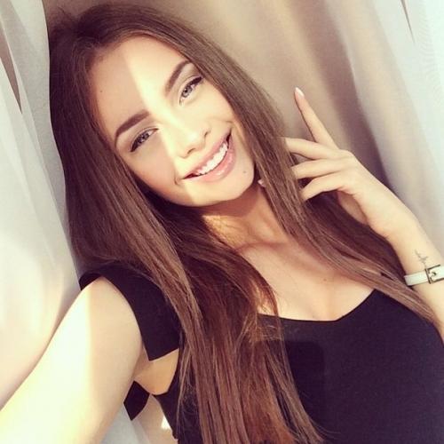 позитивная девушка фото