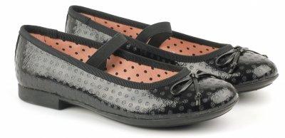 e461a232445 Интернет-магазин «Розетка» содержит почти тысячу пар летней женской обуви.  Предлагаемые размеры добросовестно охватывают весь стандартный диапазон.