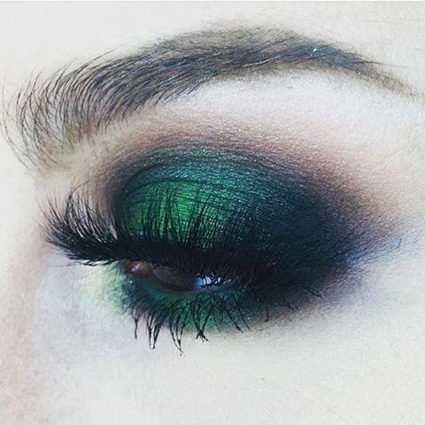Макияж в зеленых тонах: как носить и зачем он нужен - фото №6