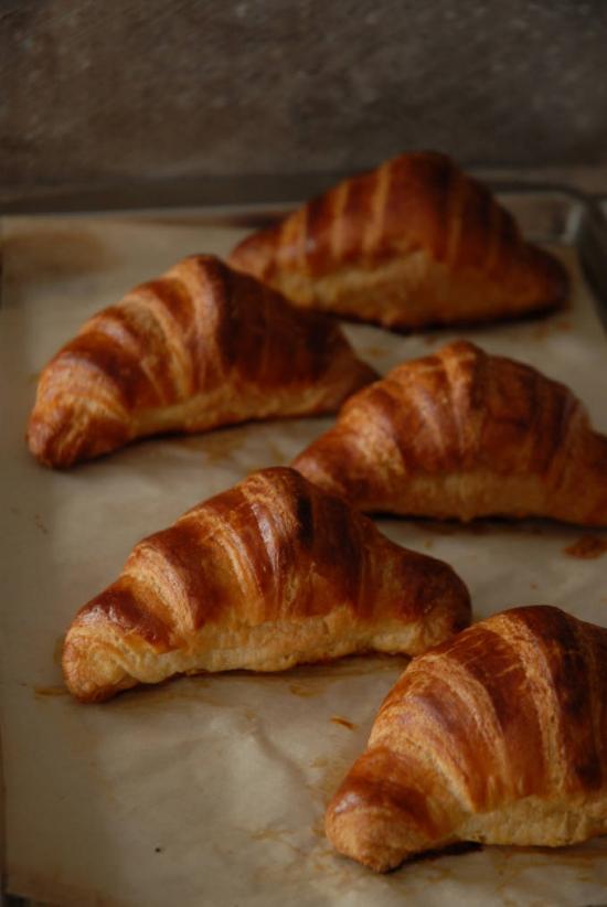 Рецепт французских домашних круассанов: выпечка, которая поднимет вам настроение - фото №5