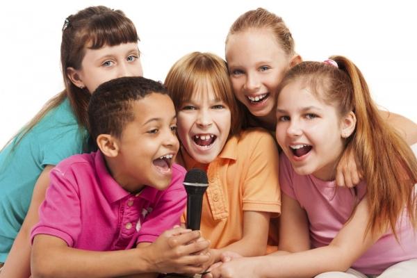 дети поют фото