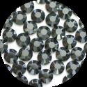 Стразы на века: что мы знаем о кристаллах Сваровски и почему их так ценят в высшем обществе - фото №7