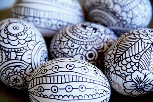 Как красиво красить яйца на Пасху: лучшие идеи - фото №17