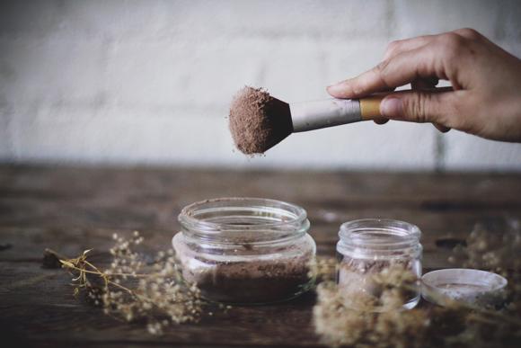 Как приготовить сухой шампунь для волос в домашних условиях - фото №2
