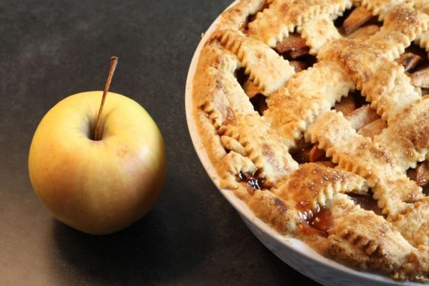 Блюдо дня. Яблочная шарлотка в Яблочный Спас - фото №2