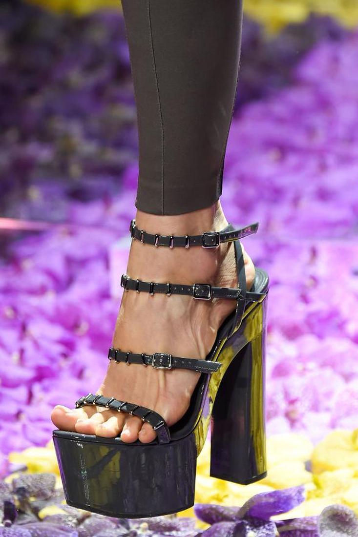 Берем курс: лучшая обувь на Неделе высокой моды