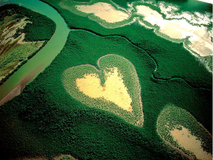 Романтикам на заметку: места на Земле в виде сердца - фото №7