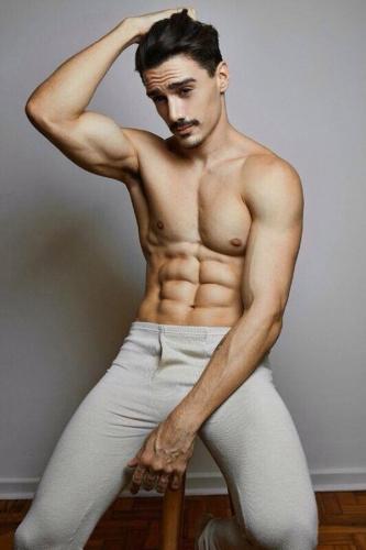 красивый парень тело