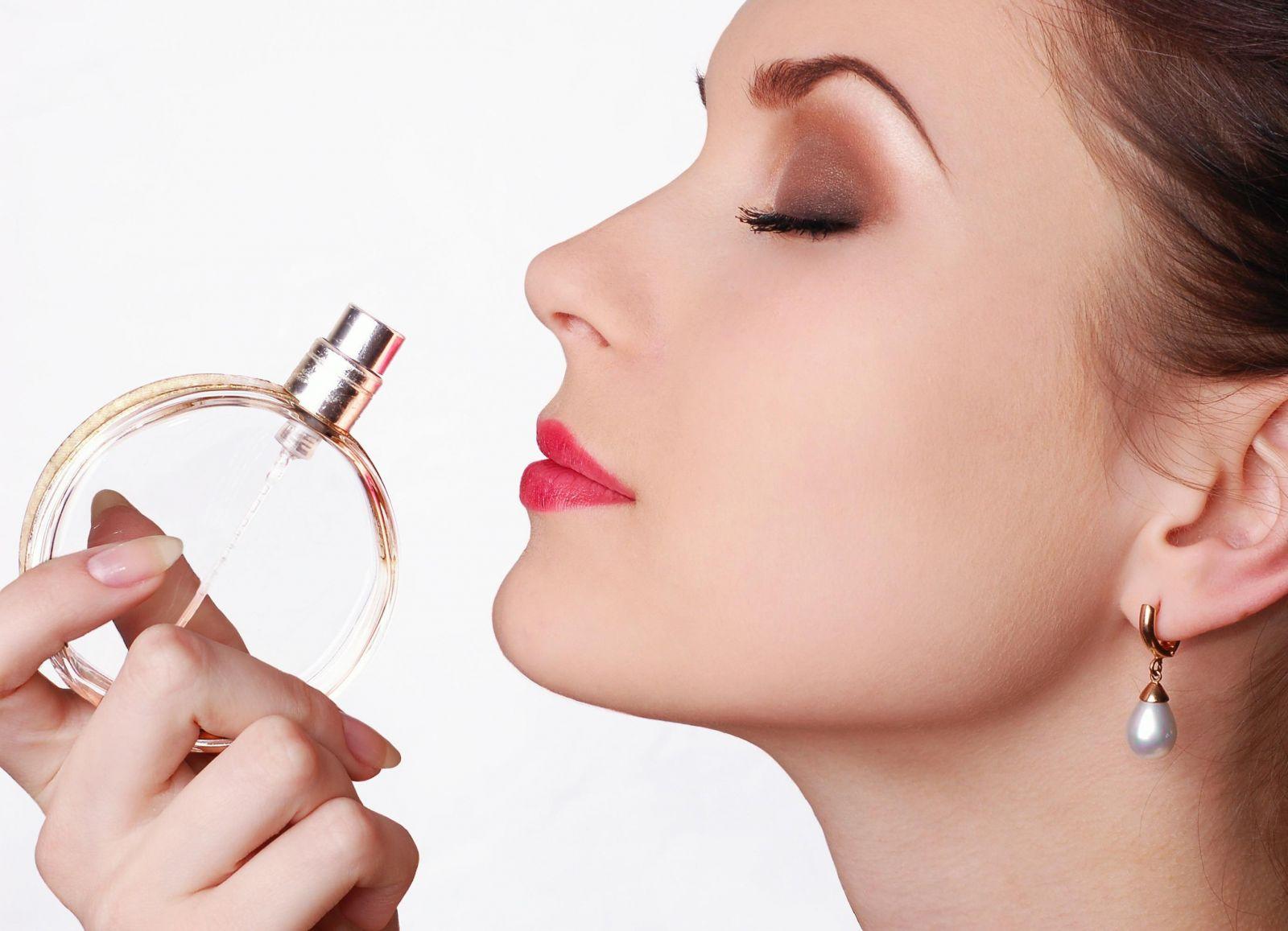 Как привлечь мужчину при помощи аромата: советы экстрасенса - фото №2