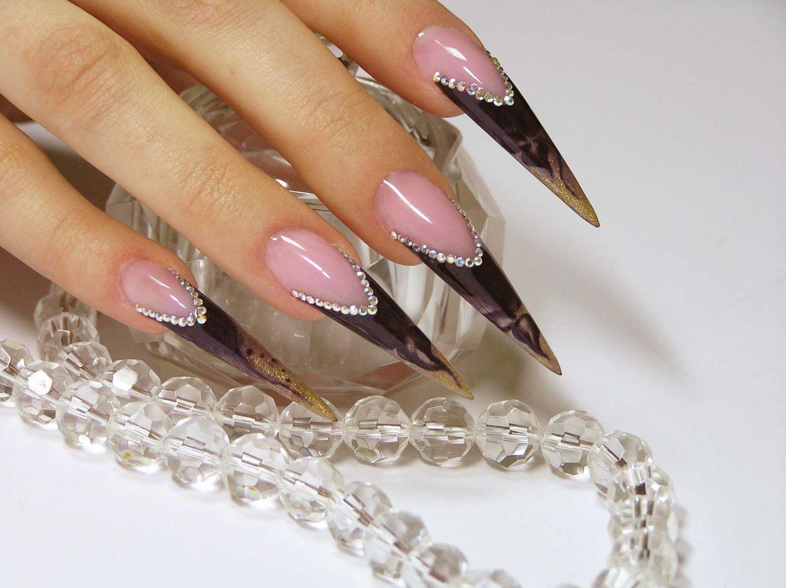 стилет форма ногтей