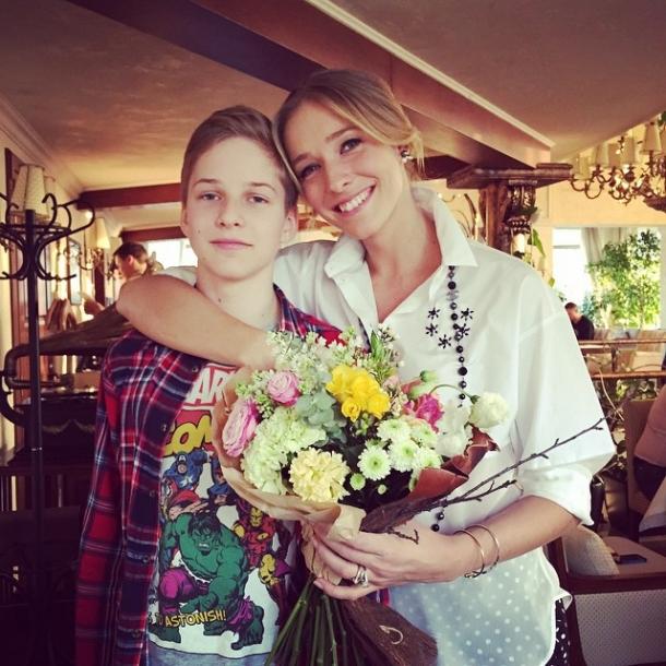 Катя Осадчая и Юрий Горбунов поженились: ФОТО обручальных колец пары - фото №1