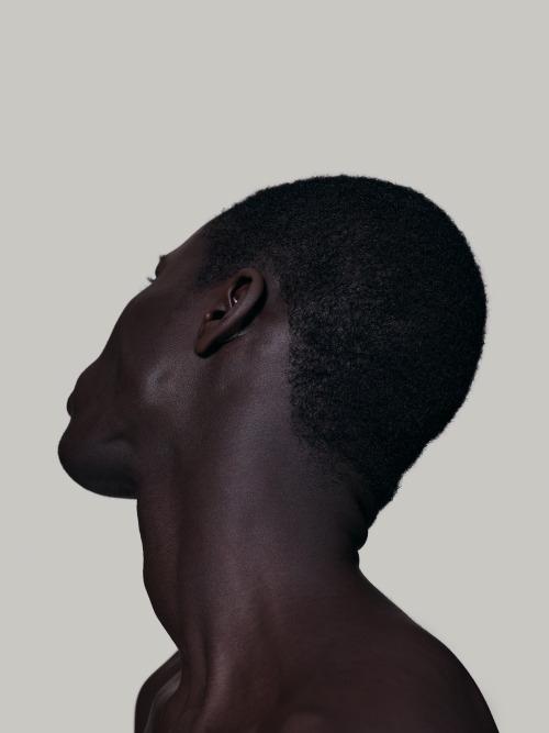 кожа черная