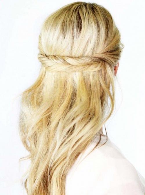 Какую прическу сделать на последний звонок: лучшие прически на длинные и средние волосы (ФОТО) - фото №42