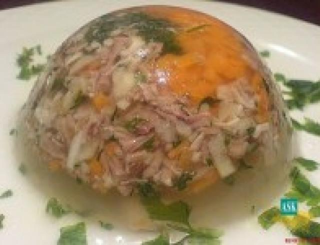 Мужужи (холодец) - блюдо грузинской кухни