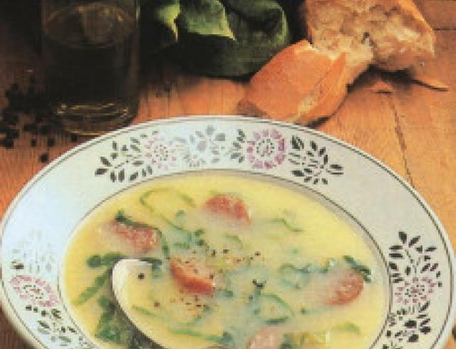 Суп зеленый с картофелем сербский
