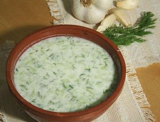 Таратор - холодный суп с огурцом (Болгария)
