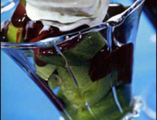 Десерт из киви и карамболы