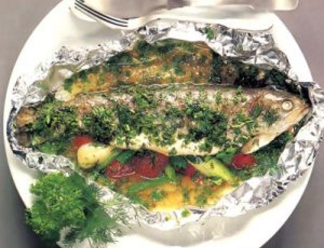 Форель припущенная (блюдо армянской кухни)