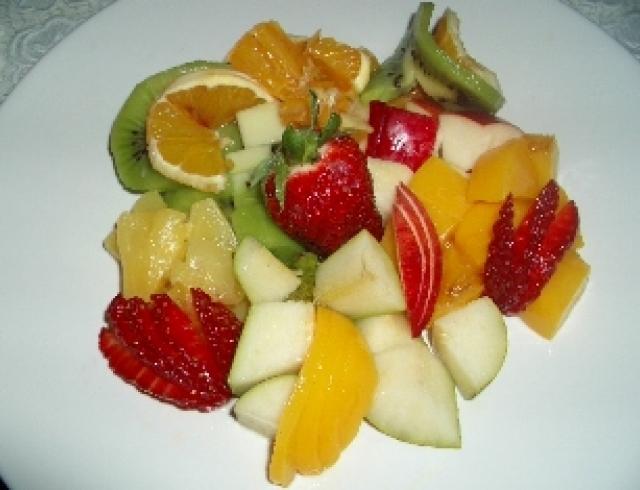 Салат из бананов и ананаса
