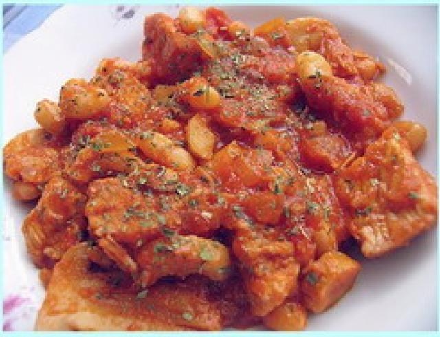 Яхния поповская из говядины (блюдо болгарской кухни)